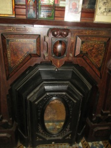 SE parlor fireplace